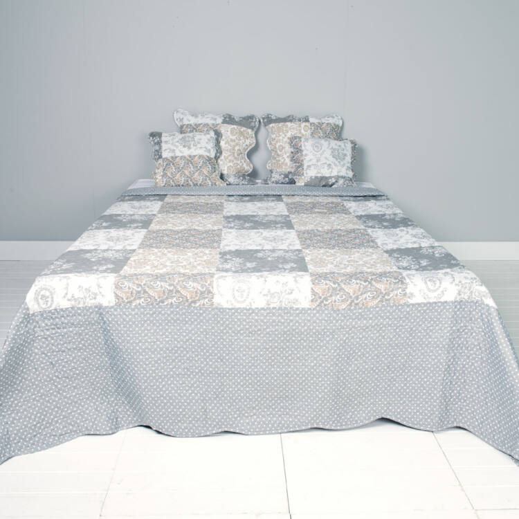 Clayre & Eef Q169.060 Steppelt ágytakaró 180x260cm, fehér szürke rózsás